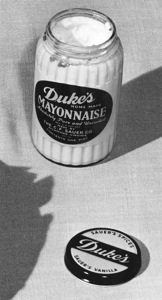 Vintage-Black and white-Duke's open jar