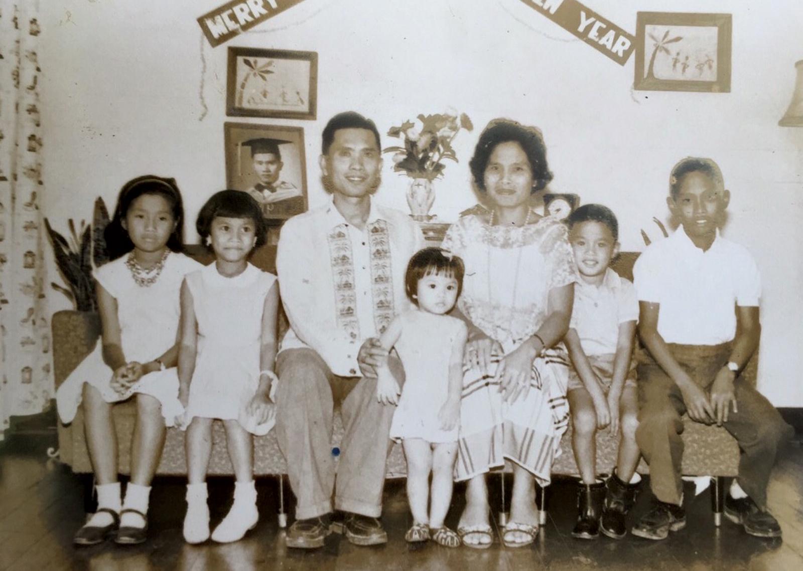 diao-family-portrait-web