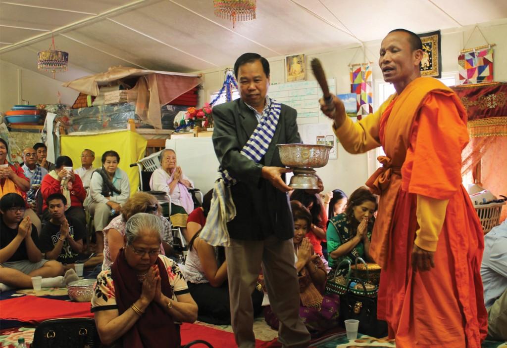 Pi Mai Ceremony at Wat Lao Sayaphoum. Photo by Katy Clune.