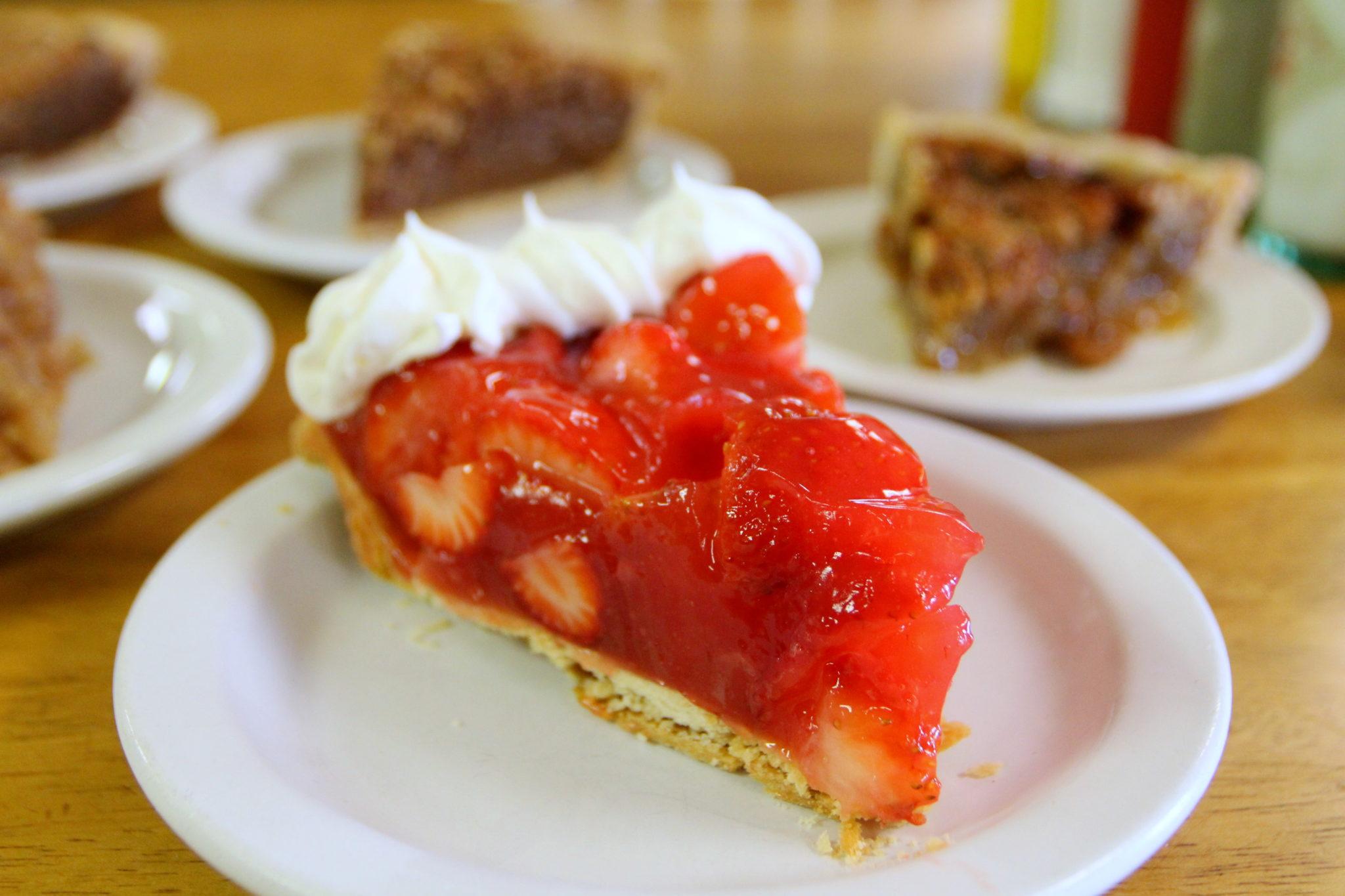 springdale-wagon-wheel-country-cafe-strawberry-pie-by-kat-robinson.jpg